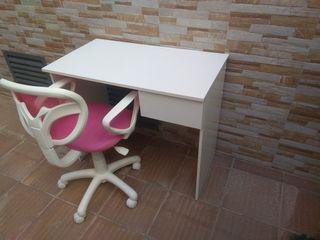 escritorio blanco silla ruedas