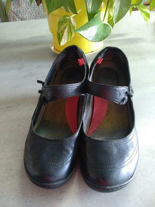 Zapatos Camper de segunda mano por 20 € en Sant Andreu de la