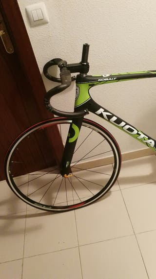 1/2 bici carretera KUOTA COBALT. Carbono. talla L.