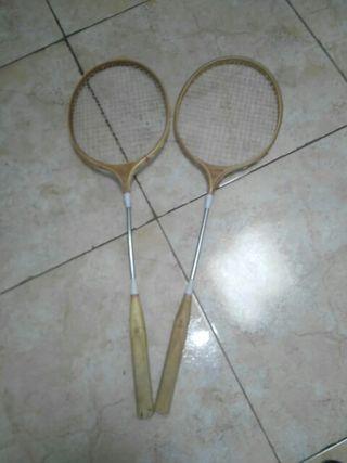dos raquetas para jugar co un amigo