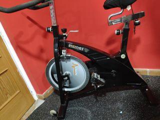 Bicicleta spining DKN Utiliyti 61