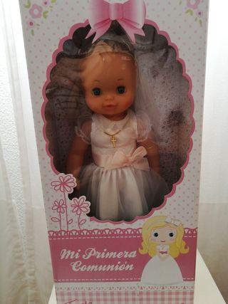 Muñeca de comunión de famosa, nueva