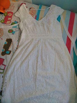 vestido de encaje blanco premamá