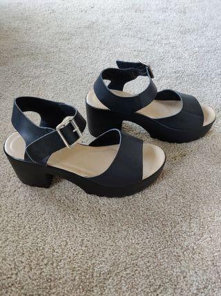 platform chunky sandals