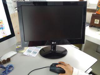 Monitor LG + teclado negro