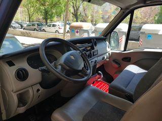 furgoneta isotermo renault con equipo de frio