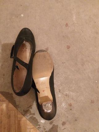 zapatos profesionales sevillanas talla 40.5
