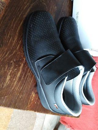 zapatos o zuecos para trabajo