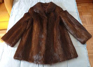 Abrigo de piel de nutria talla 44