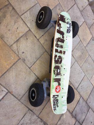 Skate-monopatin eléctrico