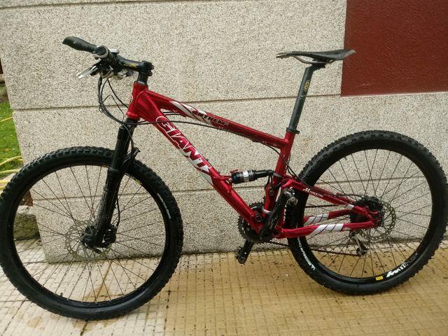 274f9654689 Bicicleta BTT Giant Anthem 2 de segunda mano por 550 € en Vigo en ...