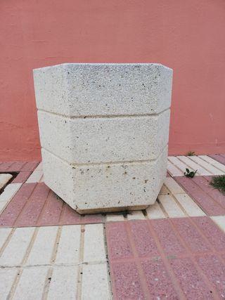 Maceteros de granito