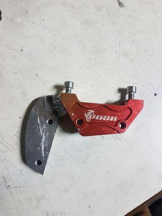 soporte de pinza de freno trasero voca