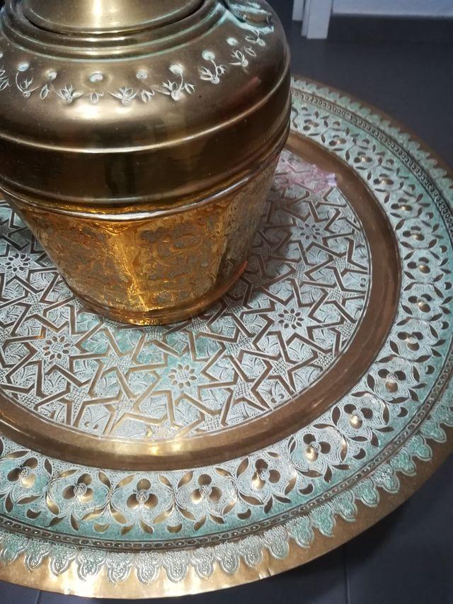 Tetera Grande Con Mesa Artesanía Marroquí De Segunda Mano Por 50