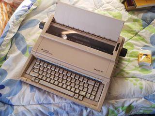 Máquina de escribir electrónica Olivetti