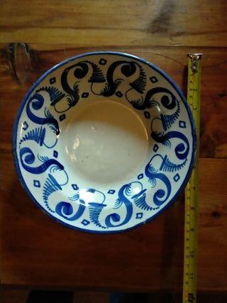 Platos antiguos de cerámica