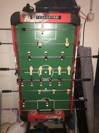 Se vende futbolín para niños