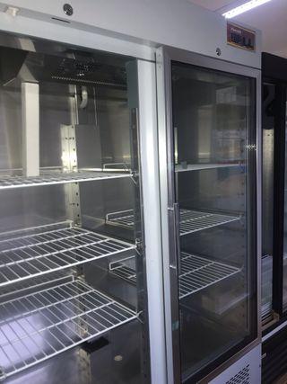 Armario refrigerado ventilado puerta de cristal