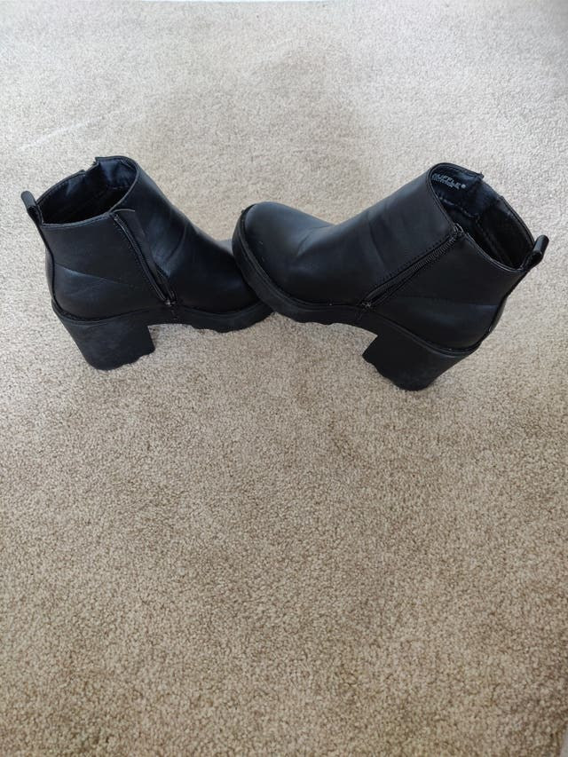 Truffle Collection Chunky Heeled Chelsea Boots