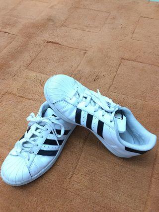 Zapatillas deportivas Adidas superstar ,numer 38,5