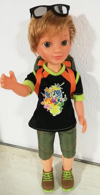 Muñeco Lucas.