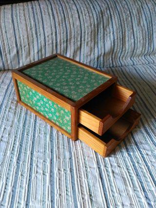 Caja de antaño de madera vintage