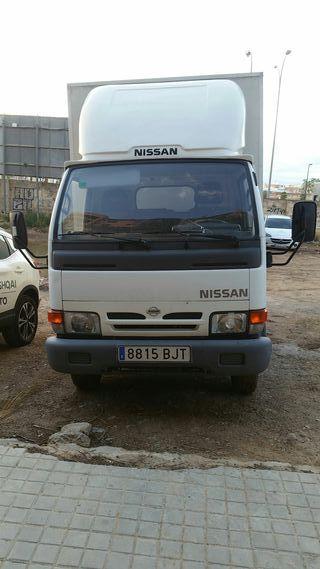 Nissan Cabstar 2001