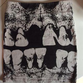 Minifalda de calavera Iron Fist