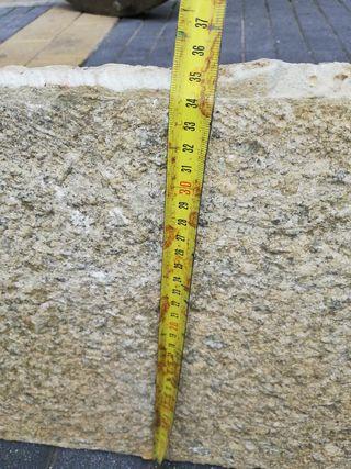 antiguo peldaño, piedra natural de boñar