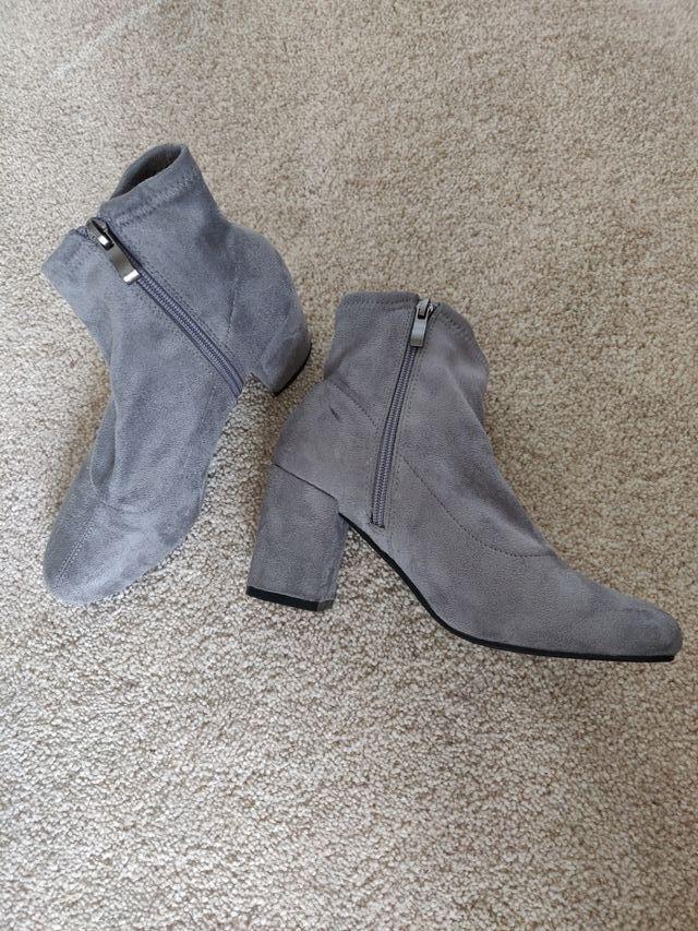 Boohoo Megan block heel sock boot