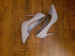 blue heels, new.