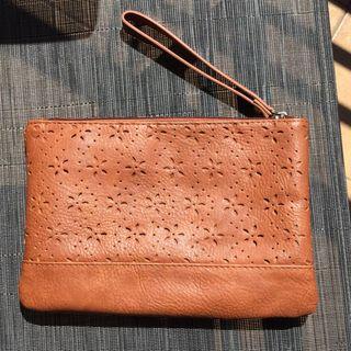 Bolso de mano cuero marrón