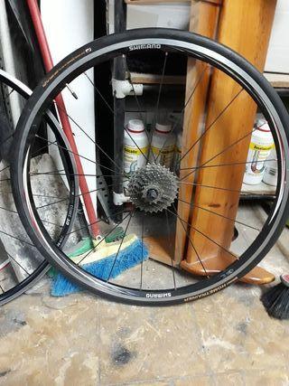 rueda shimano 10v cubierta rodillo