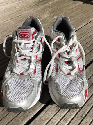 Sports shoes - Size 43