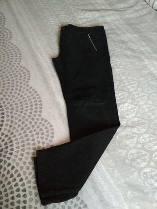 Pantalón negro. T. XL