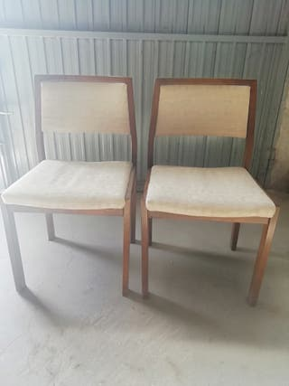 Dos Sillas encoladas en tono crema