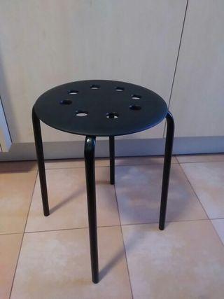 4 taburetes apilables IKEA