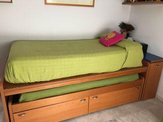 Dormitorio juvenil de madera nogal
