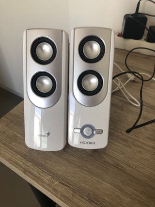 Altavoz Genius con cable