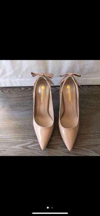 Zapatos tacón color nude, n°39. Sin estrenar!!!!