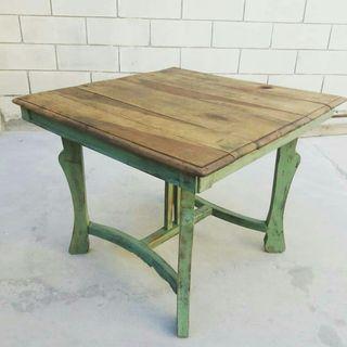 Antigua mesa rústica