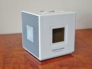 Despertador MP3 radio altavoz batería 2GB internos
