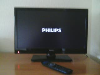 """TV TDT HDMI MONITOR. PHILIPS 20"""""""