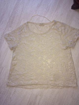Camiseta blanca de flores