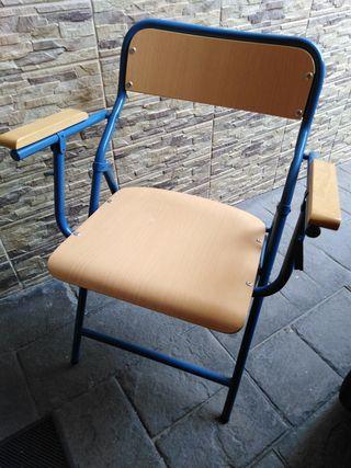 silla plegable de hierro y madera