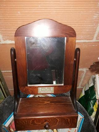 Mueble Con Espejo Antiguo