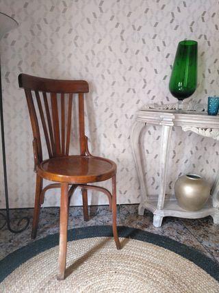 Silla antigua de escritorio