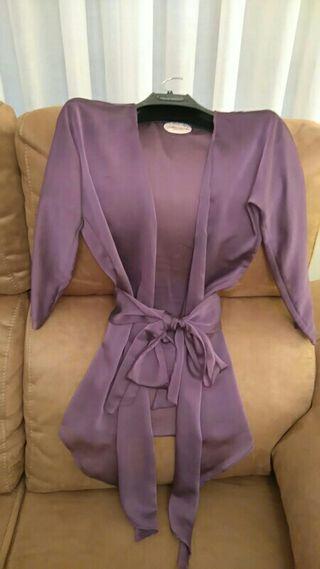 Chaqueta violeta Almatrichi