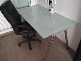 Mesa escritorio y silla de estudio