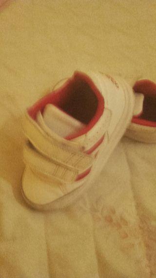 Zapatillas a dudas niña